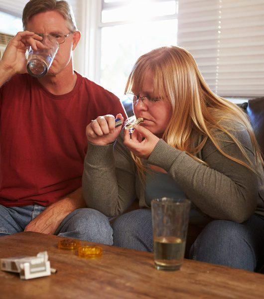 marijuana-parents-_Monkey_Business_-_Fotolia